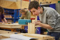 Carpentry and Joinery | City & Guilds Diploma Level 1 | 沙巴体育 MET